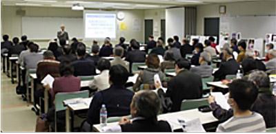 写真は2019年のフォーラム 「交通犯罪における被害者の尊厳を考える~基本法から15年の課題」と題して講演する諸澤英道氏